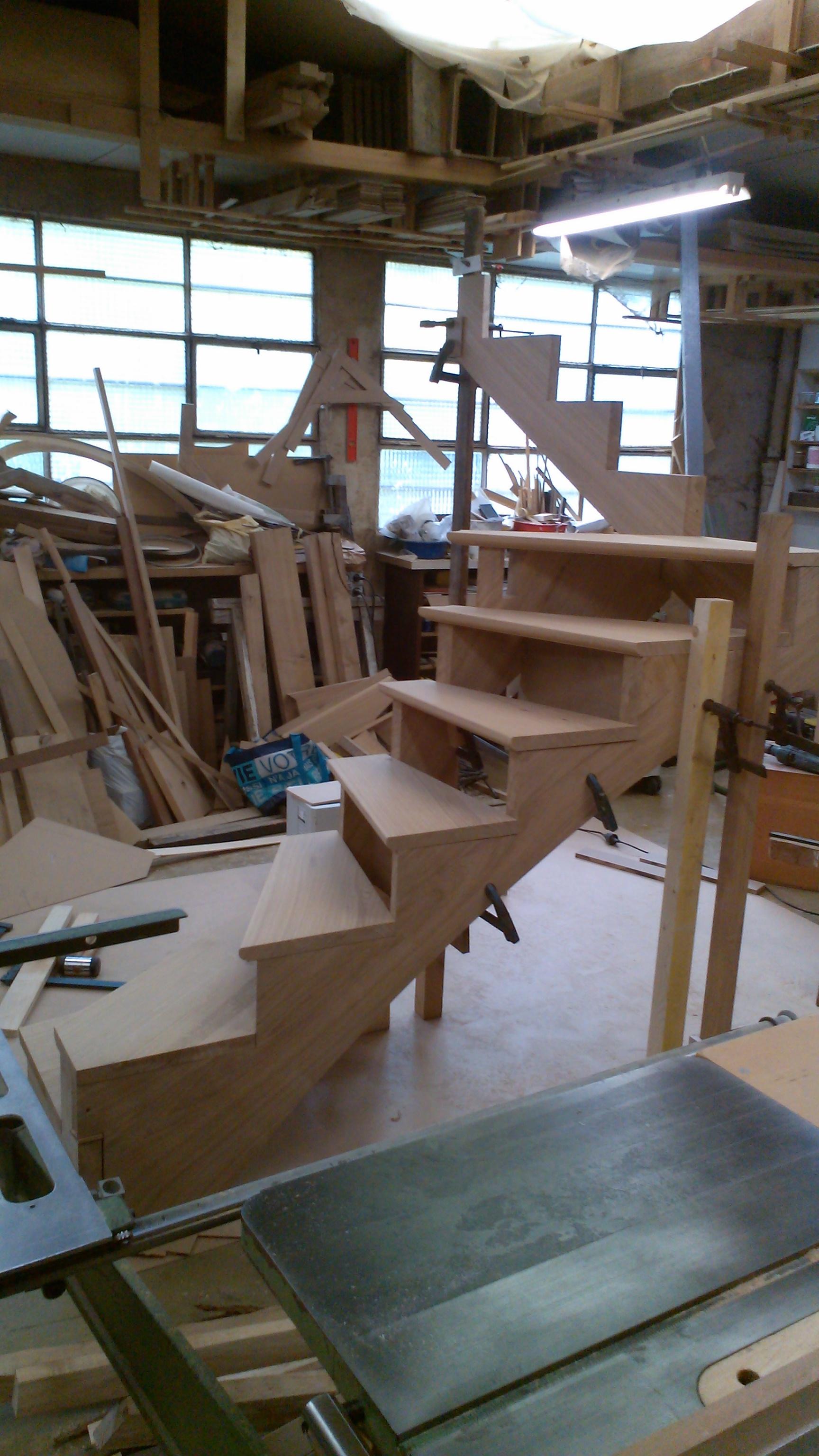 escalier 3 4 tournant juillet 2014 menuiserie. Black Bedroom Furniture Sets. Home Design Ideas